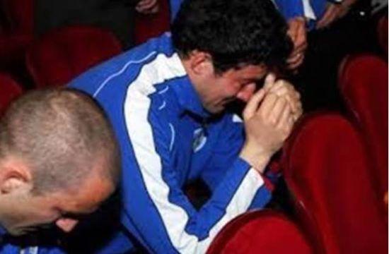 克罗地亚人脱下衣服震惊了朋友圈:哪有什么奇迹,只有普通人的含泪奔跑