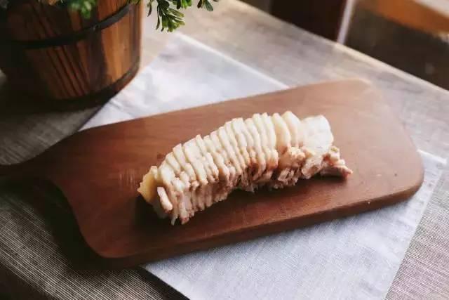 蒜泥白肉~这菜比红烧肉还好吃一百倍!