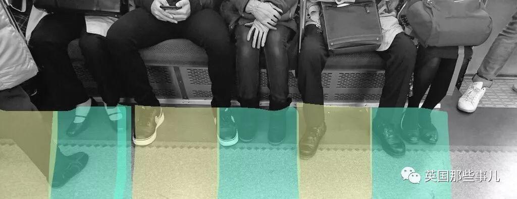 地铁里碰到这种人,有座都不想坐他旁边有木有!