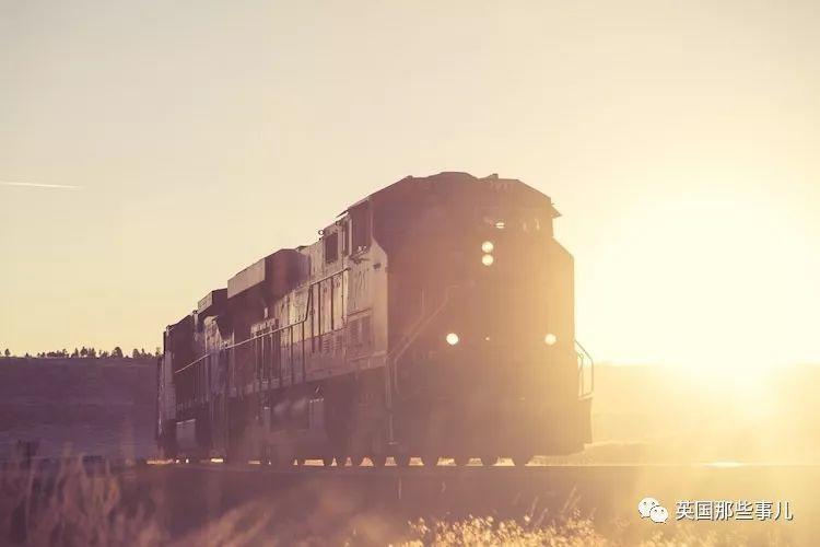 在飞机到处飞的今天,有一种流浪的浪漫,叫火车旅行...