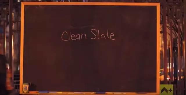 她只在墙上写了4个字,结果全世界的人都来呼应……