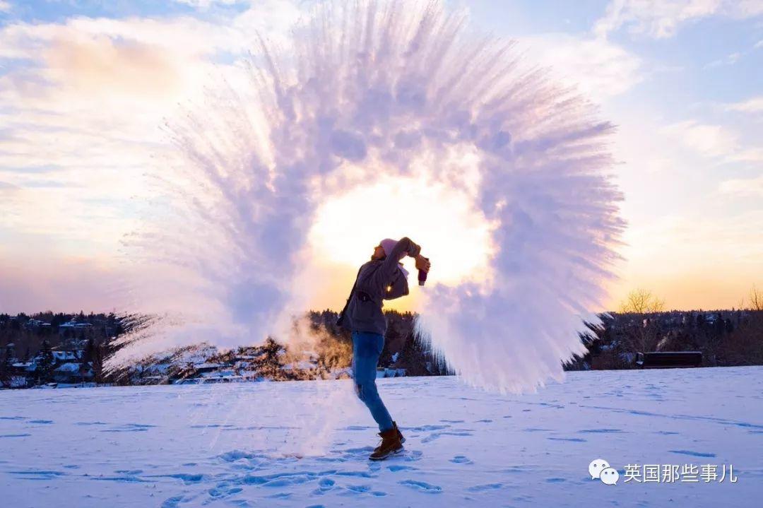 把开水泼成梦幻?美国最近流行的沸水挑战,冰天雪地也给你烫成悲剧啊