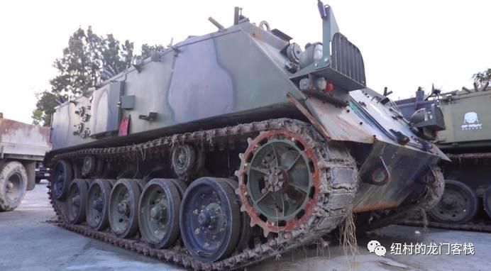 自己开坦克!没有驾照也能开!
