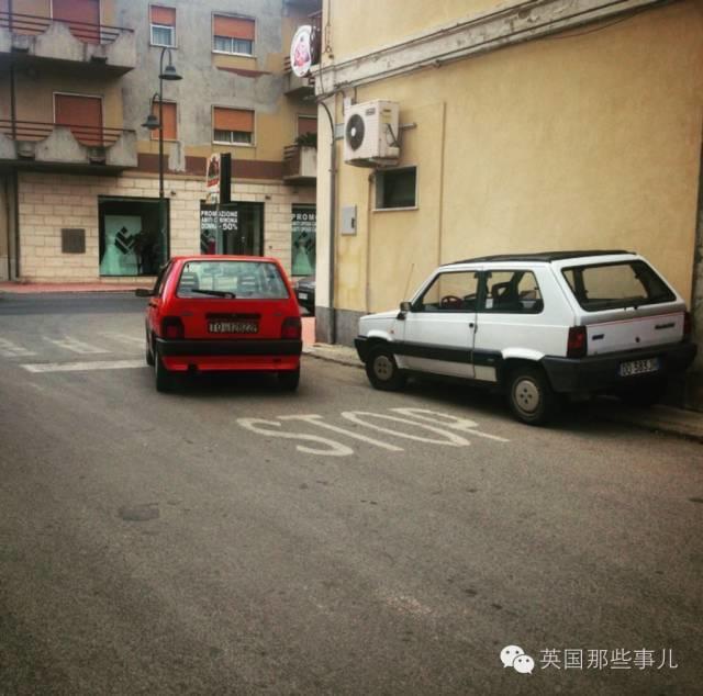地球人的词典里都就没有'好好停车' 这个词...