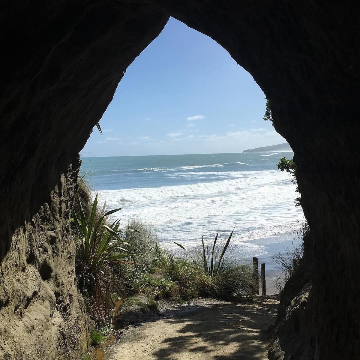 怀卡瓦海滩隧道