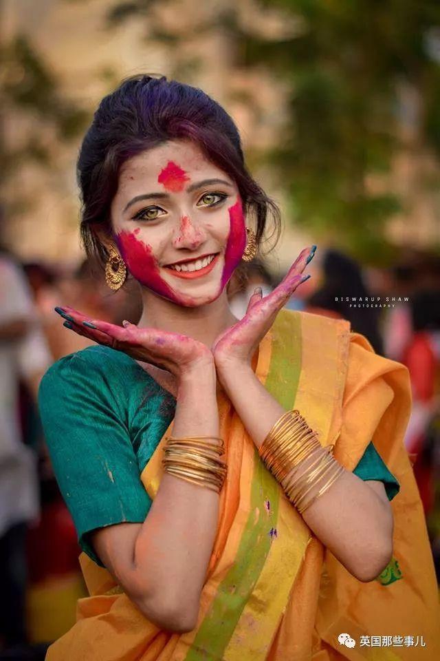 神仙颜值的印度小姐姐!这双橄榄绿的眼睛简直是宝藏啊!