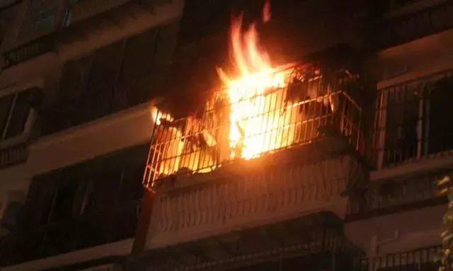 """日本人设计的阳台,危急时刻能救命!网友:逃生再也不用""""跳楼""""了!"""