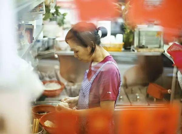 """""""你饿唔饿啊?不如我买碗糖水俾你做宵夜?"""""""