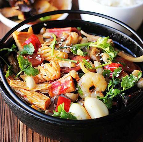 麻辣香鍋的不同做法,一次滿足你舌尖和味蕾的雙重享受!