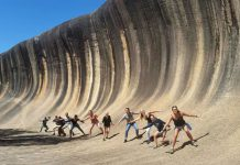 """澳洲有个地球上最神秘的""""海浪""""!存在27亿年,爆红只因一张照片!"""