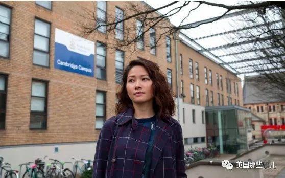 妹子觉得没学到啥状告大学,如今学校赔了她6万英镑....
