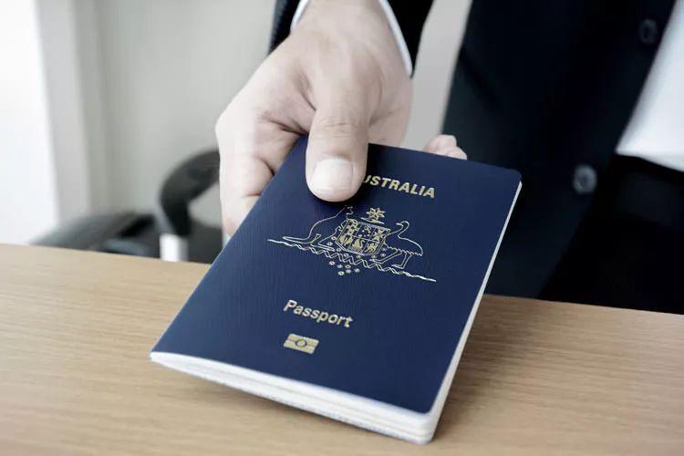 澳洲入籍最全指南!澳洲公民的权利、申请条件、过程详解!