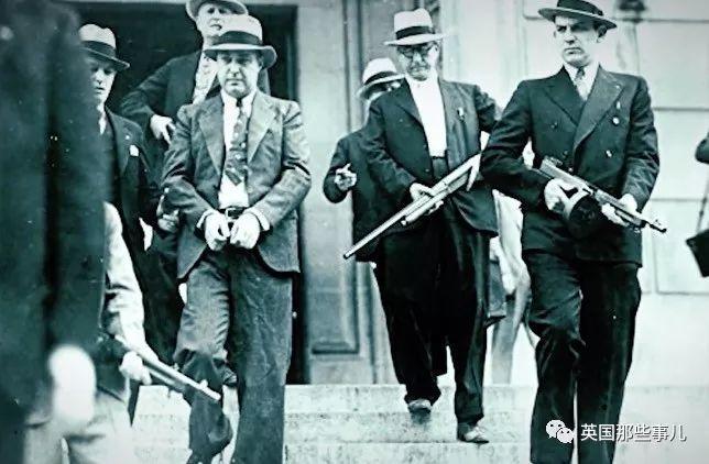 绑匪将俄城首富绑架拿到赎金...万万没想到,他们绑的,是个开挂的肉票!!
