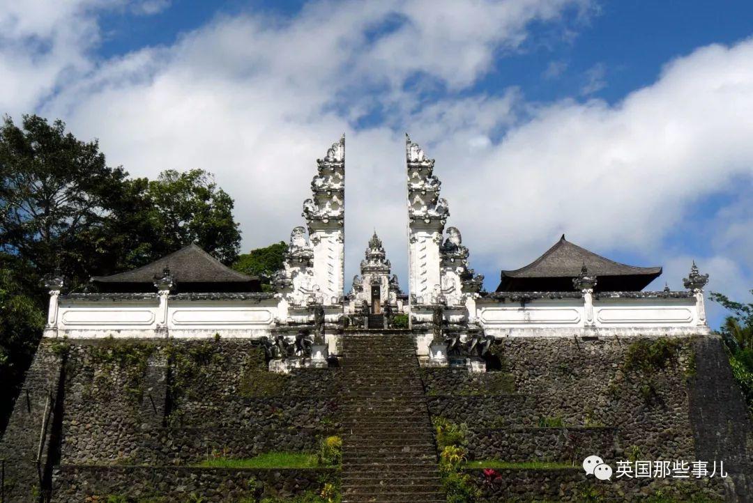 兴冲冲跑去巴厘岛网红景点天堂之门拍美照…结果被真相坑懵了