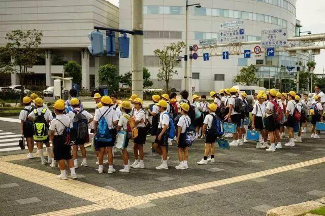 逆天!2m²停204辆车,这才是日本东京不堵车的原因!
