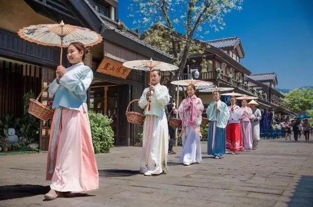 何必远去日本,这座江南小京都,还是意想不到的庞大美食帝国