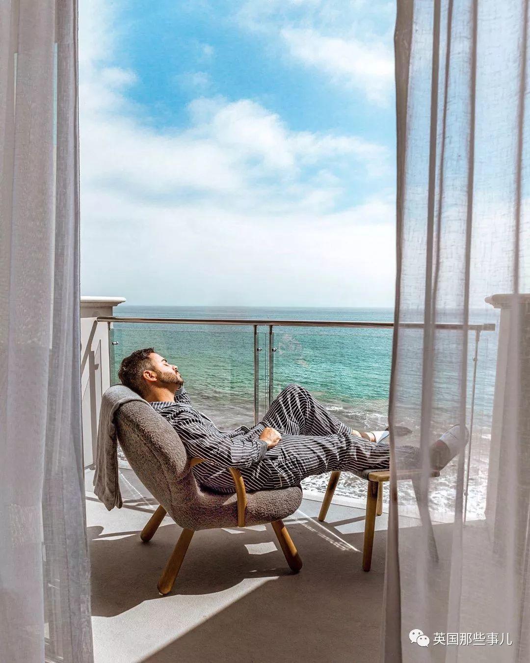 一个靠睡觉吸粉的睡觉网红…这职业得是多少懒人的毕生梦想?