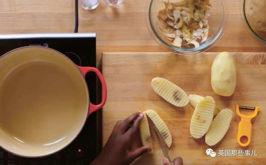 炸薯条怎样做才好吃?新手、老手、大厨师大比拼,原来这么多讲究