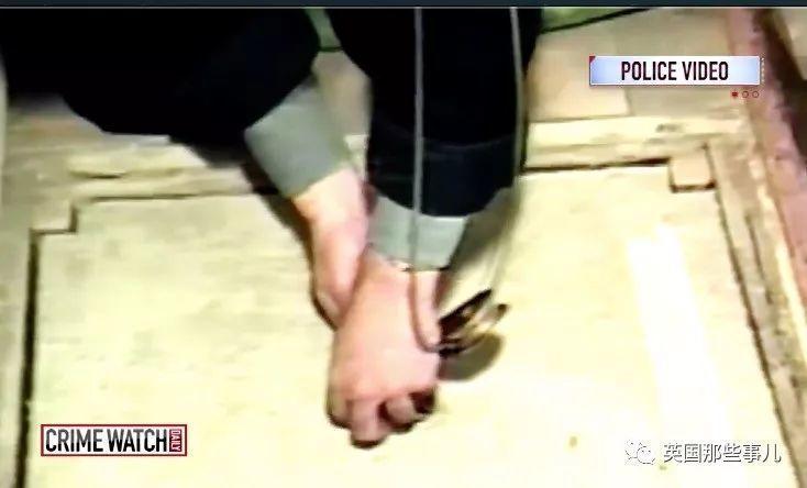10岁女孩被认识的大叔囚禁地牢整整17天,终于靠装病逃脱!