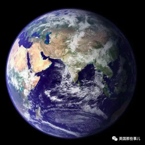 让人感觉无比渺小的27张图,这么一看,地球也就是一粒微尘!
