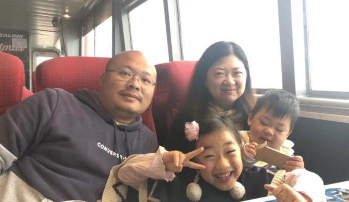 Anna An和丈夫George Shuai,女儿Rachel和儿子Jacob。