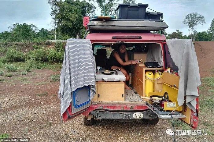 一辆车,10个月.. 他们从新西兰一路开回英国..这对情侣牛掰了!