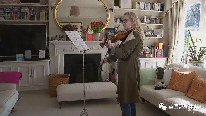 边手术边拉小提琴,英国这场清醒开颅手术,真的很厉害...