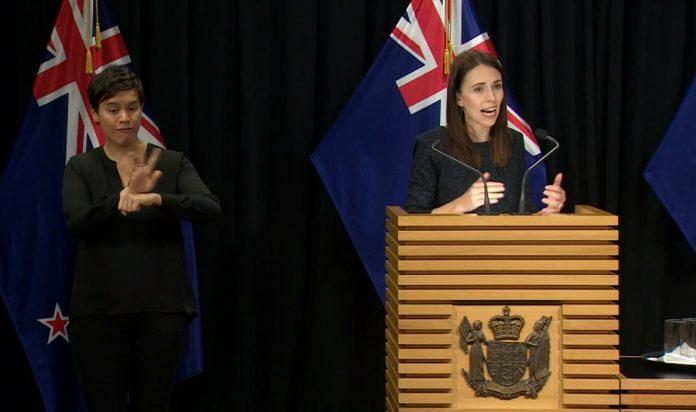 总理Jacinda Ardern宣布国家冠状病毒警报级别提高到3级。