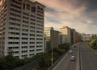 封锁期间新西兰高速上人迹罕见。