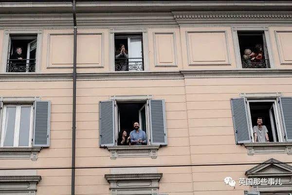 全球近10亿人被隔离,各国人民花式宅家的日常... 简直一样一样一样的啊!