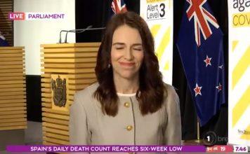 新西兰总理不排除向民众发钱来刺激经济。