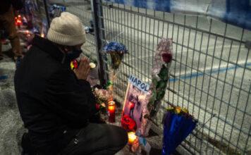 一代球王马拉多纳病逝 阿根廷国悼3天